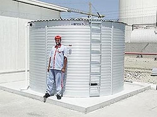 Levetator on Pioneer Water Tank in Dubai. United Arab Emirates